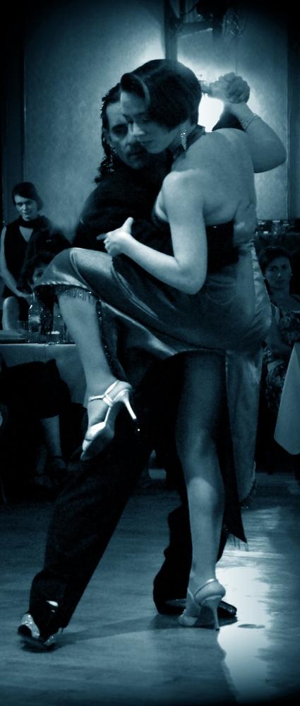 tango-16